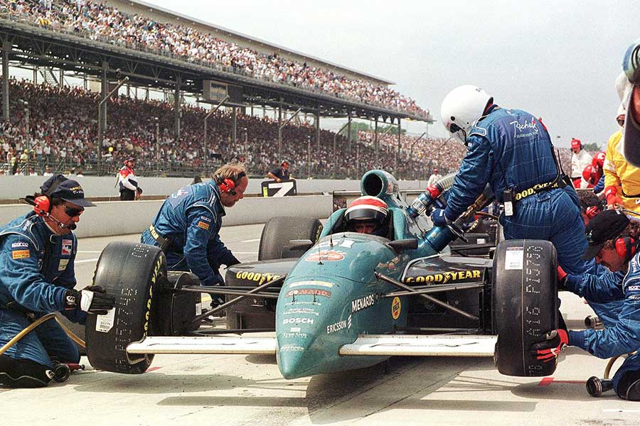 1998: Veteran racer Eddie Cheever in the pits en route to his only Indy 500 win