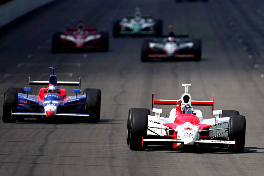 2006: Sam Hornish Jr pips Marco Andretti with just yards to go before the finish line