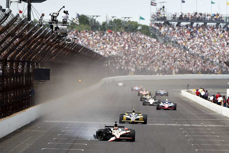 2011: JR Hildebrand crosses the line in second place after crashing in the final corner. Brit Dan Wheldon won the race.
