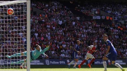 Oxlade brilliance sees Arsenal beat the Blues