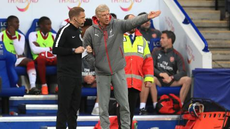 Arsenal beat Huddersfield Town to give Arsene Wenger winning farewell