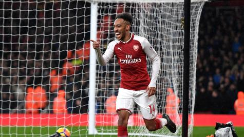 Wenger defends Aubameyang against Dortmund CEO accusations