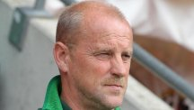 Eintracht Frankfurt coach Thomas Schaaf wants his team to play attractive football