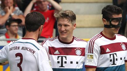 Van Gaal sets sights on Schweinsteiger