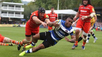 Bath's Kyle Eastmond evades the Leicester defence to score at The Rec