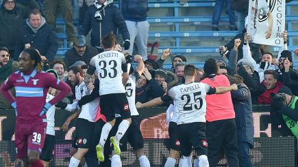 Cesena celebrate hilarious gift of a goal