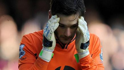 Tottenham goalkeeper Hugo Lloris after suffering a head injury against Everton in 2013