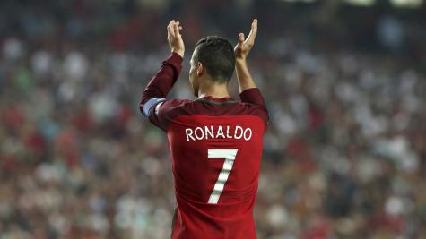 Cristiano Ronaldo salutes team-mates after Portugal confirm World Cup place