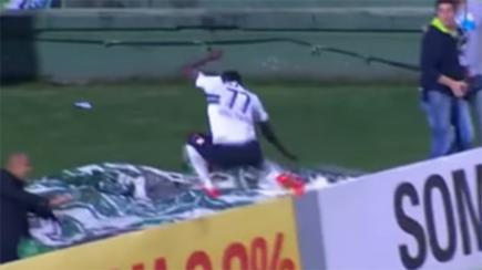 Curitiba striker Joel jumps into a 'hole' lot of trouble