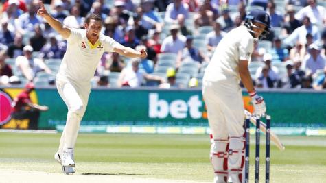 England hope quickly extinguished as Australia storm into 2-0 series lead