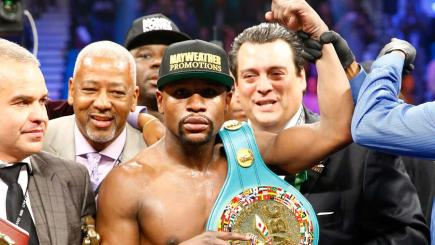 Mayweather proves too strong for Pacquiao