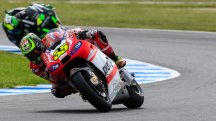 Fourth place for Dovizioso as Crutchlow crashes on last lap