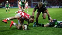 Bill Meakes goes over for a Gloucester try