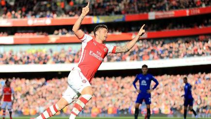 Olivier Giroud celebrates his opener against Everton