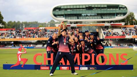 Heather Knight: England can cope with being the hunted