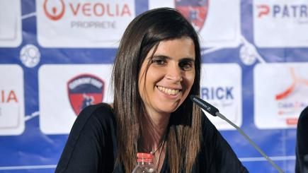 Helena Costa has taken charge at Ligue 2 side Clermont Foot