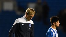 Hyypia quits as Brighton boss