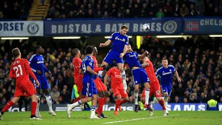 Chelsea advance to Capital One Cup final