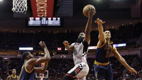James Harden helps Houston Rockets beat Cleveland Cavaliers
