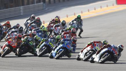 Jorge Lorenzo takes final MotoGP win of season in Valencia