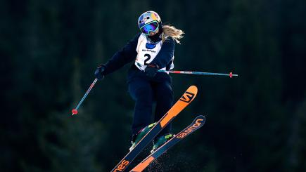 Katie Summerhayes became the first British female medal winner at the World Freestyle Ski and Snowboard Championships.