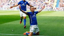 Leicester's Jamie Vardy celebrates scoring against Manchester United