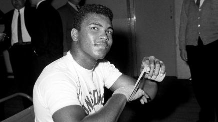 Lennox Lewis 'humbled and honoured' to be pallbearer for Muhammad Ali