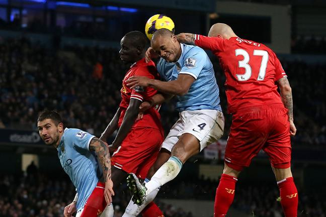 Manchester United FC Official Thread - Page 4 Liverpool-defender-martin-skrtel-has-become-a-serial-shirt-puller-at-set-pieces-136386282870903901-131229212446