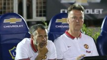 Louis Van Gaal and Ryan Giggs during Manchester United's 7-0 win over LA Galaxy