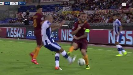 Madness! De Rossi sees red for horrific challenge