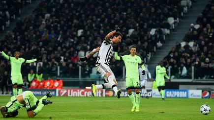 Juventus beat Man City to ease into last 16