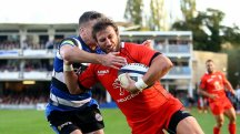 Toulouse's Maxime Medard crosses for a try against Bath at The Rec