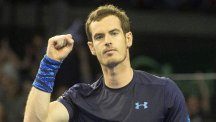 Andy Murray clenches his fist after defeating Dominic Thiem (AP)