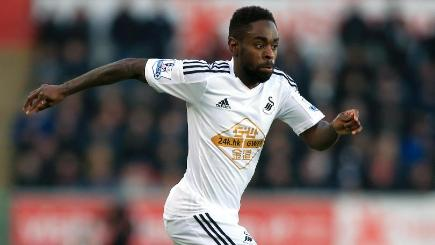 Swansea winger Nathan Dyer is set to be sidelined until mid-November after undergoing ankle surgery