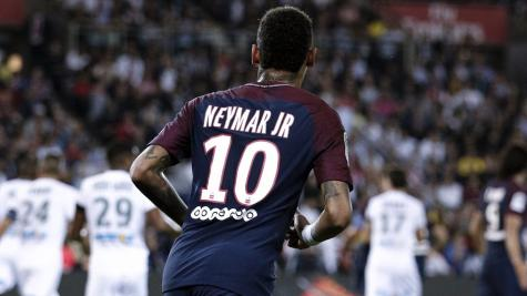 Neymar in inspiring form as PSG move three points clear at top of Ligue 1