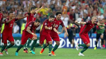 Portugal beat Poland on penalties to advance to semi-finals