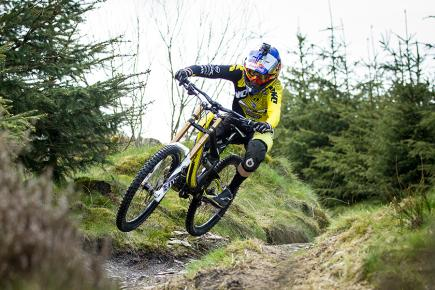 Rachel Atherton is the elite women's downhill mountain bike world champion (Photo: Sven Martin)