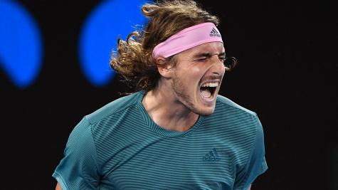 Australian Open: Federer headed to 4th round