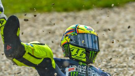 Rossi heads row three after injuring finger in FP4 crash | BT Sport