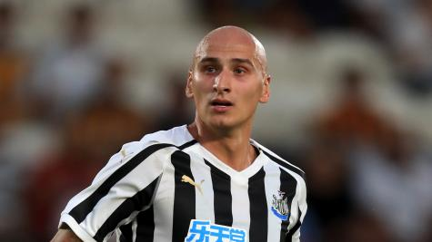 Shelvey urges Newcastle fans to give Bruce a chance