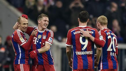 Watch Arjen Robben's 100th goal for Bayern Munich