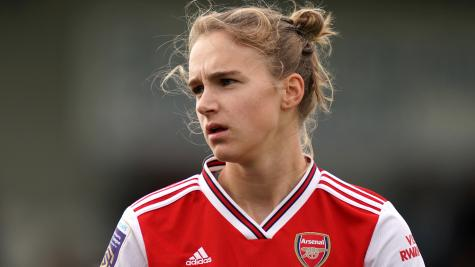 Record WSL crowd sees Arsenal beat Tottenham